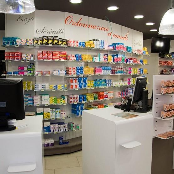 meble sklepowe, meble do drogerii, wyposażenie sklepów, shopfitting