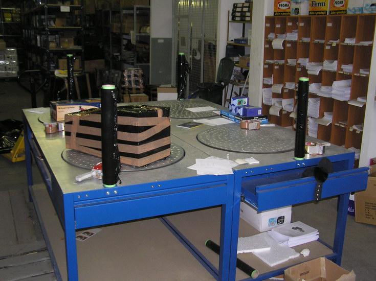 stoły do pakowania paczek, stoły do pakowania, stoły pakowe,