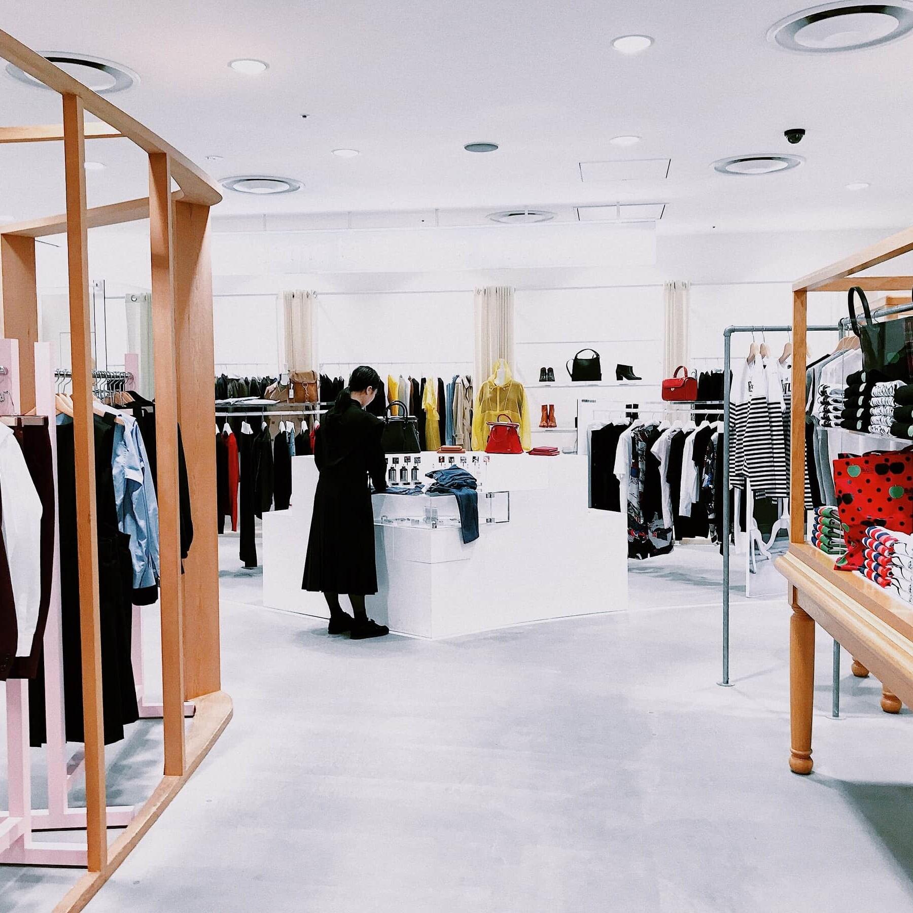 kompleksowe wyposażenia sklepów